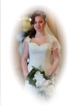 Imke Photoshoot with  Photographer Tim van Dijk Model: Lizzy Maassen Dress: Engels bruidsmode Flowers in this shoot: Bloemenboetiek Bisessar Hair and Make-up: Trendy Haar