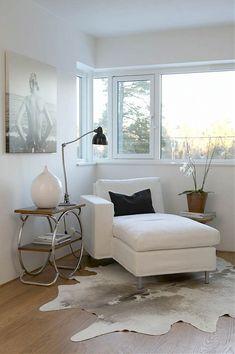 'my think space' - Adventurous Design Quest: Vitt hem by photographer Per Gunnarsson Living Room Furniture, Home Furniture, Living Room Decor, Living Spaces, White Interior Design, Elegant Homes, Fashion Room, Home Improvement Projects, Interiores Design