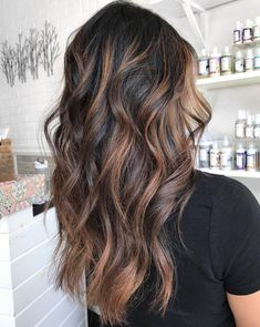 50 Dark Brown Hair With Highlights Ideas For 2019 Hair Adviser- coffee brown hair color Cool Brown Hair, Light Brown Hair, Brown Hair Colors, Black Brown Hair, Hair Color Dark, Brown Hair For Summer, Black Hair With Ombre, Dark Brown To Light Brown Ombre, Hair Color Brunette