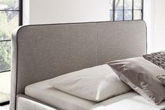 Kona łóżko w stylu skandynawskim