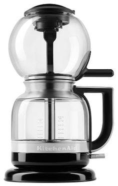 Blog da Revestir.com: Vai um café? KitchenAid lança Cafeteira de Sifão e o Moedor de Grãos e Temperos, que chegam como opções para quem procura um café de qualidade, preservando suas características marcantes.