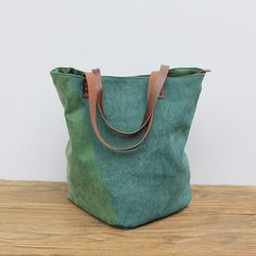 I'm just in love for this organic canvas bag in cotton and leather details Organic, Tote Bag, Retro, Canvas, Detail, Cotton, Leather, Bags, Collection