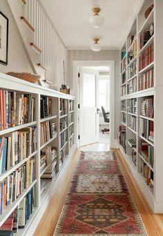 Stunning Choices Bookshelf Inspiration To Complete Your Decoration – Bookshelf Decor Bookshelf Inspiration, Hallway Inspiration, Interior Inspiration, Home Library Design, Design Desk, Dream Library, Cozy Library, Interior Decorating, Interior Design