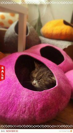 Easter Flash Sale  Cat Cave / cat bed  handmade felt  by malobi