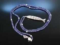 Blue silver fish pendant with iolith necklace! Lange Boho Kette Iolith Silber 835 mit beweglichem Fisch Anhänger, feiner Edelstein Schmuck bei Die Halsbandaffaire