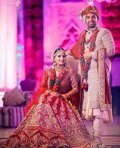 36 Ideas For Bridal Poses Indian Wedding Photos Indian Wedding Pictures, Indian Wedding Poses, Indian Wedding Couple Photography, Bride Photography, Couple Photography Poses, Indian Wedding Outfits, Indian Bridal, Couple Portraits, Photography Ideas