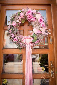 Kolekce | Letní kolekce | Květiny Petr Matuška Brno - dekorace, floristika, řezané květiny, svatební kytice Wreaths And Garlands, Deco Mesh Wreaths, Wreath Crafts, Diy Wreath, Wreaths For Front Door, Door Wreaths, Sunflower Wedding Decorations, Estilo Shabby Chic, Valentine Decorations