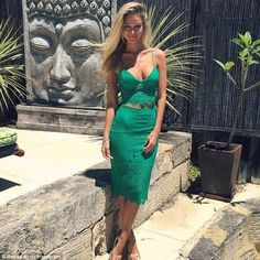 Renae Ayris.. green lace Bardot two piece + EMMA & ROE jewels..... - Celebrity Fashion Trends
