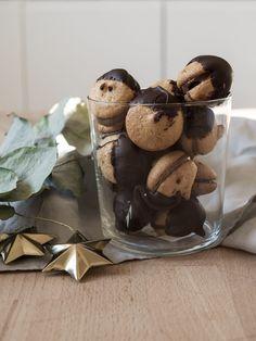 Marzipan Makronen. Doppeldecker-Plätzchen. | Oh, wie wundervoll. Marzipan, Low Carb Köstlichkeiten, Biscotti, Christmas Cookies, Cake Recipes, Stuffed Mushrooms, Muffin, Sweets, Baking