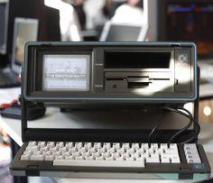 You'd like this one by katzenparadoxon #c64 #microhobbit (o) http://ift.tt/2c7FFbM Version des #C64: #sx64 alias #Executive64 während der Langen Nacht der Computerspiele in der #HTWK. #computer #historicalcomputer #commodore #computergames #games