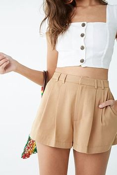 Picking Out a Good Pair of Silk Boxer Shorts Cute Comfy Outfits, Cute Summer Outfits, Short Outfits, New Outfits, Trendy Outfits, Fashion Outfits, Look Con Short, Pleated Shorts, Cotton Shorts