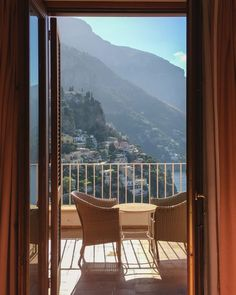 Casa Albertina- Hotels in Positano. Hotels in Italy: What to expect and tips for booking the best hotel. Travel Tips | Italy Hotels | #italy #traveltips