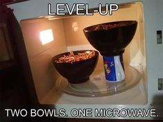 Want to heat up two bowls of food at the same time but they're too big to fit both inside at once? Try this handy little trick. Elevate one of the bowls with a mug. Now, you and your partner can enjoy dinner together instead of waiting on the other Simple Life Hacks, Useful Life Hacks, Crafts For Teens To Make, Diy And Crafts, Easy Crafts, Easy Chips, Crazy Mom, Pot Lids, Dollar Store Crafts