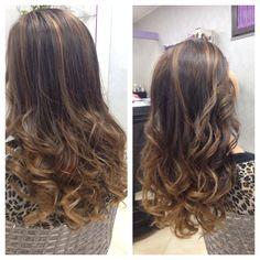 Usa la fantasia nei tuoi capelli, affidati al #degradèjoelle e al #tagliopuntearia