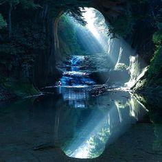 まるでジブリの世界!千葉県にある隠れた秘境「濃溝の滝」知ってる? | RETRIP