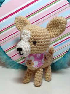 Chihuahua  Dog - Free Amigurumi  Pattern here: http://curly-girl-crochet-etc.blogspot.com.es/2009/11/amigurumi-chihuahua-free-pattern.html