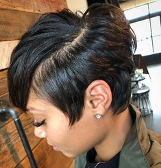 Bob hairstyles are a classic look that has been in fashion for ages, and is sure to continue to be popular look for many years to come! It can be bold, wild and bold look for those who are not afraid to… Continue Reading → Cute Hairstyles For Short Hair, Pixie Hairstyles, Straight Hairstyles, Curly Hair Styles, Natural Hair Styles, Black Women Short Hairstyles, Saree Hairstyles, Undercut Hairstyle, Undercut Men