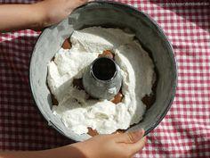 Dobrou chuť: Vrstvená bábovka s tvarohem Icing, Ice Cream, Pudding, Desserts, Food, No Churn Ice Cream, Tailgate Desserts, Gelato, Meal