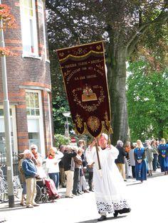 Processie ter Herinnering aan het H. Bloedwonder, Boxtel, Noord-Brabant.