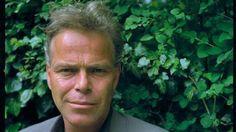 Martin Bril ( 1959-2009 ) Columnist,schrijver en dichter. 'je mist meer dan je meemaakt,zo is het leven.'