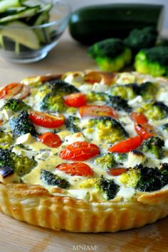 Quiches, Eat Breakfast, Breakfast Recipes, Good Food, Yummy Food, Food Design, Food Inspiration, Food Porn, Easy Meals