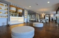 DOM EDIZIONI : Luxury furniture  LOVER Pouf Hotel Excelsior : #domedizioni #luxuryfurniture #luxuryliving
