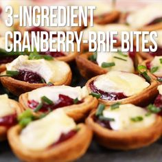 Cranberry-Brie Bites Baked Brie is a perennially popular appetizer. Here we complement the Brie with tart cranberry sauce and bake it in pretty individual tartlets using premade pie crust for an ultra-easy crowd-pleasing appetizer. Potluck Recipes, Gourmet Recipes, Appetizer Recipes, Baked Brie Appetizer, Brie Bites, Thanksgiving Appetizers, Holiday Appetizers, Italian Appetizers Easy, One Bite Appetizers