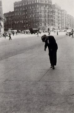 Helen Levitt. NY 1940