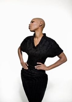 Skin from Skunk Anansie (Deborah Anne Dyer) Skunk Anansie, Barbers Cut, Black Lesbians, Rock Chic, Professional Look, Madame, Everyday Look, Pretty Woman, Role Models