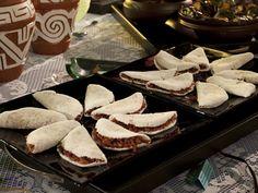 O cardápio também é bem nordestino: tapioca com recheio de carne seca desfiada e cebolas carameladas