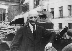 Председатель Всероссийской чрезвычайной комиссии (ВЧК) Феликс Дзержинский продержался на посту министра с 1921 до 2 февраля 1924 года
