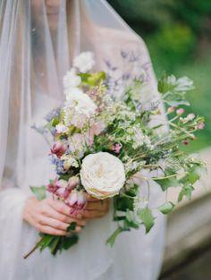 Vintage Wedding Inspiration - Wild flowers