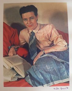 Simone de Beauvoir, by Gisèle Freund (1939).