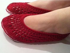 Ruby Slippers, de Maria Bittner. http://www.ravelry.com/patterns/library/ruby-slippers-6