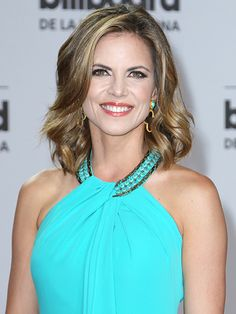 Today Star Natalie Morales Taking On West Coast Anchor Position Natalie Morales Today Show, Girl Celebrities, Celebs, Jennifer Aniston Legs, Matt Lauer, Access Hollywood, Natural Women, Hair Dos, New Hair