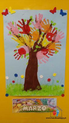 impronte diventano fiori su un albero