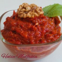 Hatice In the Kitchen: Breakfast with Walnut Embers Pepper Butter (muhammara) - Eat Recipes Breakfast Items, Breakfast Recipes, Turkish Mezze, Turkish Recipes, Ethnic Recipes, Turkish Breakfast, Turkish Kitchen, Bon Appetit, Family Meals