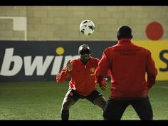 Click here to see the outtakes https://www.facebook.com/bwin/app_333500170085885  Legendary Manchester United strikers Dwight Yorke and Andrew Cole put Wayne Rooney, Danny Welbeck and Javier Hernandez to the test in a Telepathic Football challenge organised by bwin, the clubs official online gaming and betting partner.  For more exclusive conte...