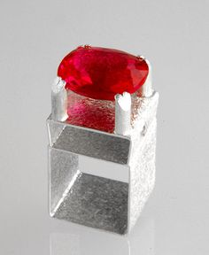 Samantha Queen - Flourish Ring in silver and 9ct gold set with 19.03ct hydrothermal pink topaz
