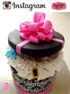 Para todas las chicas no puede faltar este bello pastel. Únete a nuestras redes sociales.