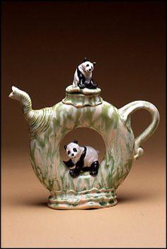 Art as tea pot Ceramic Teapots, Ceramic Art, Teapot Design, Cute Teapot, Teapots Unique, Cuppa Tea, Tea Pot Set, Teapots And Cups, Chocolate Pots