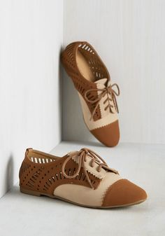 The best remedy after a full day of classes is hearing your gals invite you out to flaunt these faux-leather flats! With scalloped edges, caramel brown toe caps, and matching perforated sides, this tan pair keeps you smiling from developmental psych to dinner with the gang.