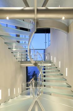 Cliff House by Mark Dziewulski Architect - glass stairs Glass Stairs Design, Staircase Design, Staircase Ideas, Interior Staircase, Floating Staircase, Escalier Design, Glass Elevator, Cliff House, Modern Stairs
