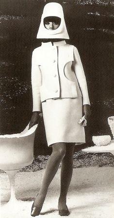 Pierre Cardin -space age 1960s