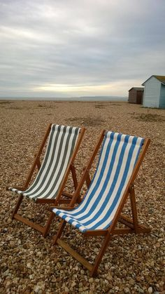 Deckchairs for two?