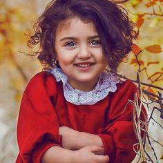The World Cutest Baby - Anahita Hashemzadeh - My Baby Smiles Cute Twins, Cute Girls, Baby Twins, Adorable Babies, Sweet Girls, World's Cutest Baby, Cute Baby Girl Wallpaper, Cute Baby Girl Pictures, Cute Child Pics