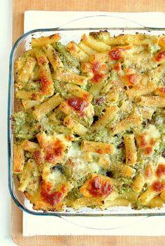 Hai cercato: Pasta al forno con broccoli e scamorza - Deliziando Italian Dishes, Italian Recipes, Italian Meals, Pasta E Broccoli, Pasta Recipes, Cooking Recipes, Vegetarian Recipes, Healthy Recipes, Italy Food
