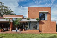 Tugun — Richards and Spence Contemporary Architecture, Modern Contemporary, Architecture Design, Archi Design, Exterior, Mansions, House Styles, Places, Outdoor Decor