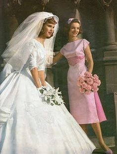 Vintage Fashion Taken from a 1958 catalogue. The bridesmaid dress is equally as beautiful. Vintage Outfits, Vintage Dresses, Vintage Fashion, Vintage Wedding Photos, Vintage Bridal, Vintage Weddings, 1960s Wedding, Chic Vintage Brides, Funny Wedding Photos