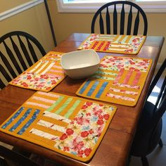 Debby Brown Quilts: Sweet Tooth placemats (machine quilting video)